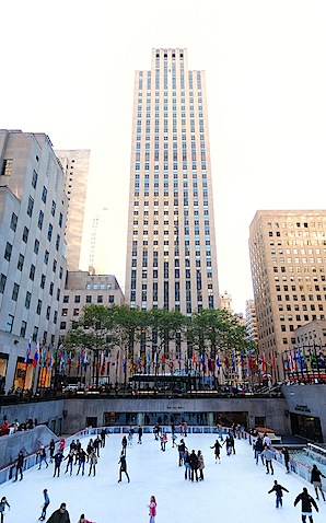bigstock_NEW_YORK_CITY_-_NOV___People_26077541.jpg